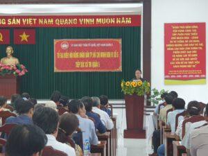 Đại biểu Huỳnh Ngọc Nữ Phương Hồng phát biểu kết luận Hội nghị